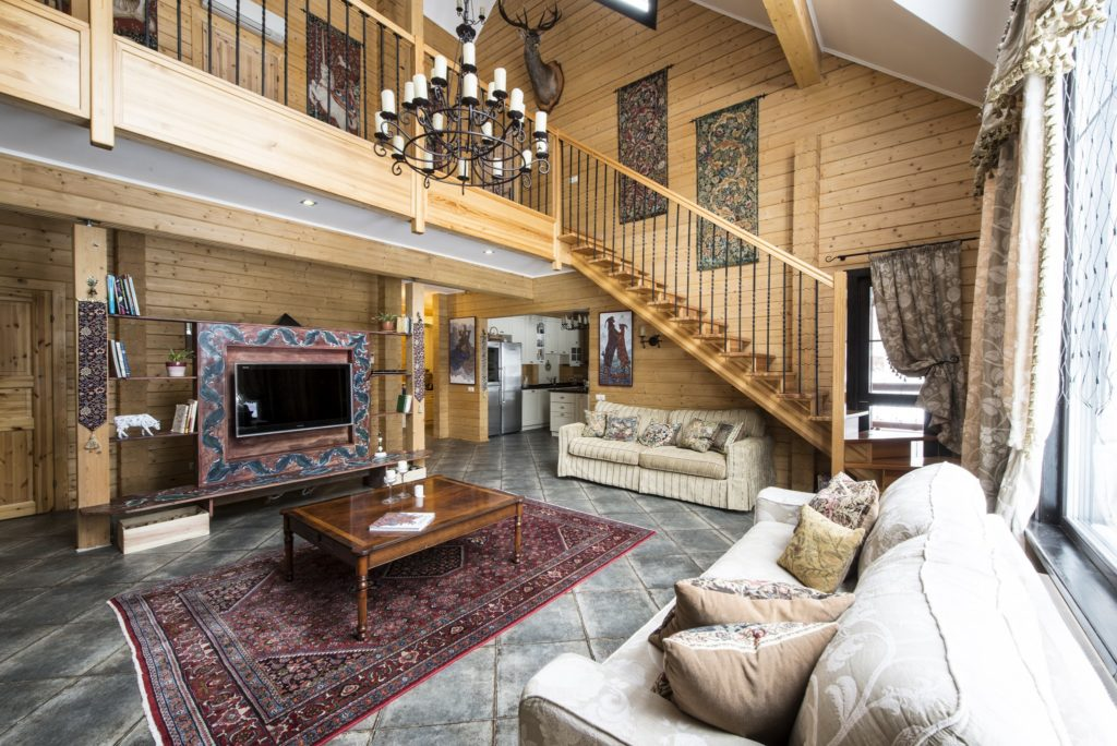Image result for छोटे घर में  हल्के रंग का खूबसूरत डिजाइन वाला गलीचा