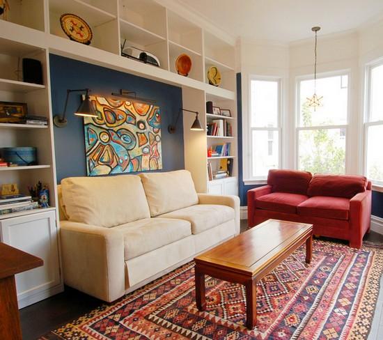 Interiør af en lille stue i lejligheden. Faktisk design af en lille ...