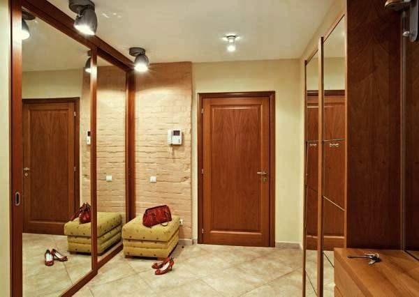 Прихожая в частном доме с дверьми дизайн