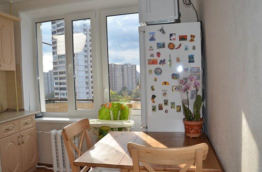 Дверь на балкон из кухни. необычные решения для кухни с балк.