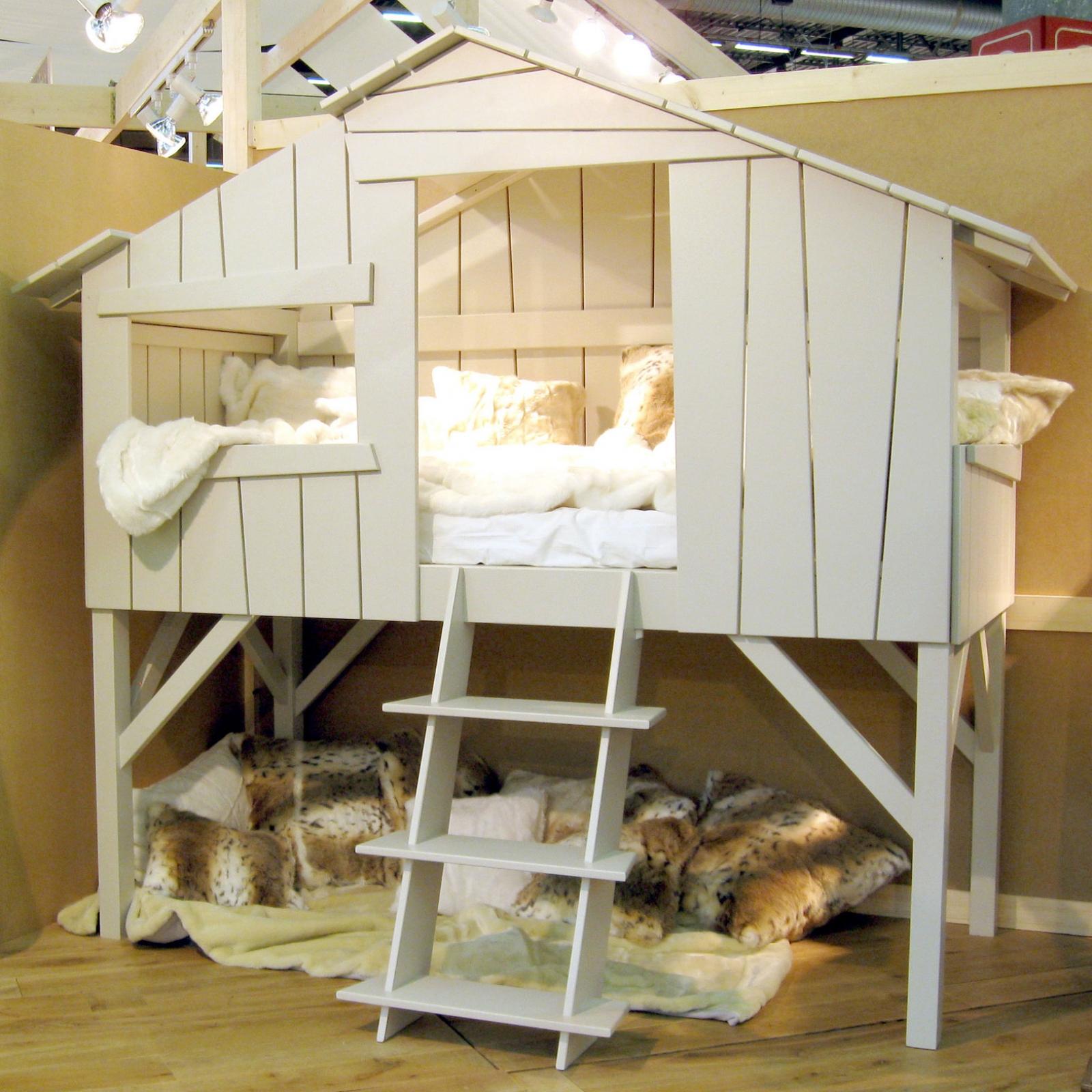 Chambre Lit Cabane Fille lits superposés pour enfants en forme de maison. maison de