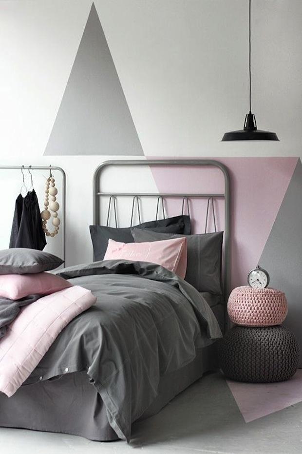 в фото цвете спальня серо-розовом